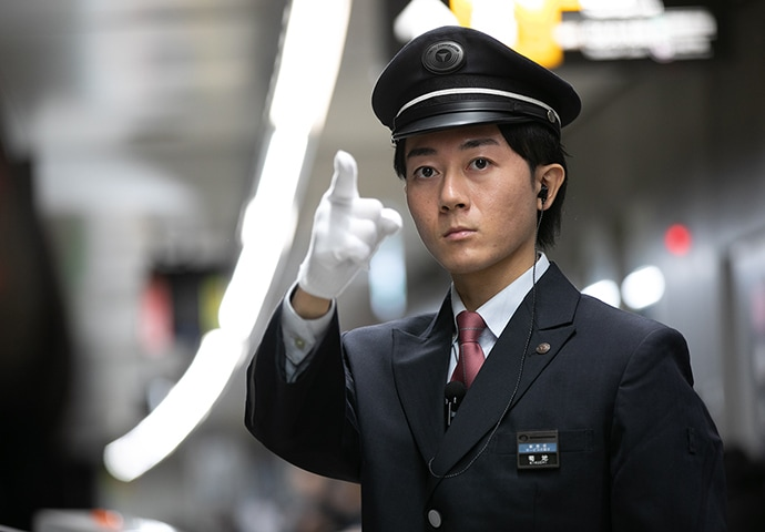 駅係員の仕事/駅係員 - 東急電鉄 採用 鉄道エキスパート職の人と仕事